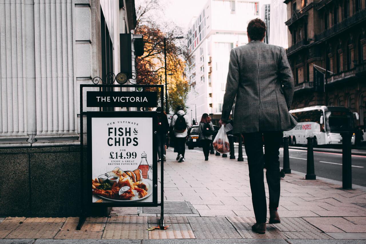 開店・オープン前にポスターで告知
